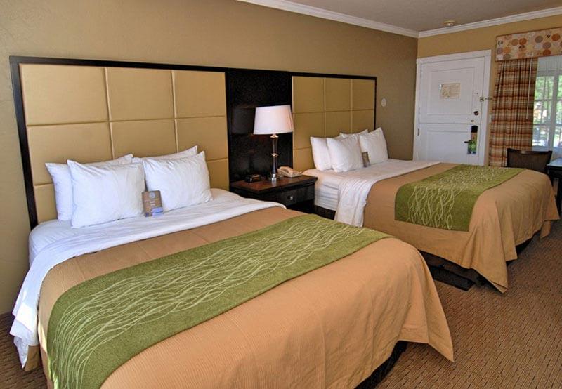Room in Comfort inn Carmel by the Sea, California